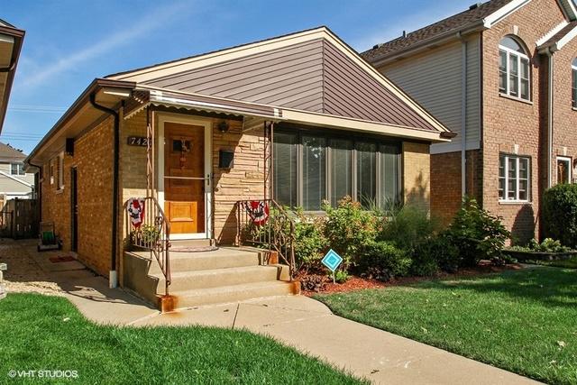 7421 North Oriole Avenue, Chicago-Edison Park, Illinois