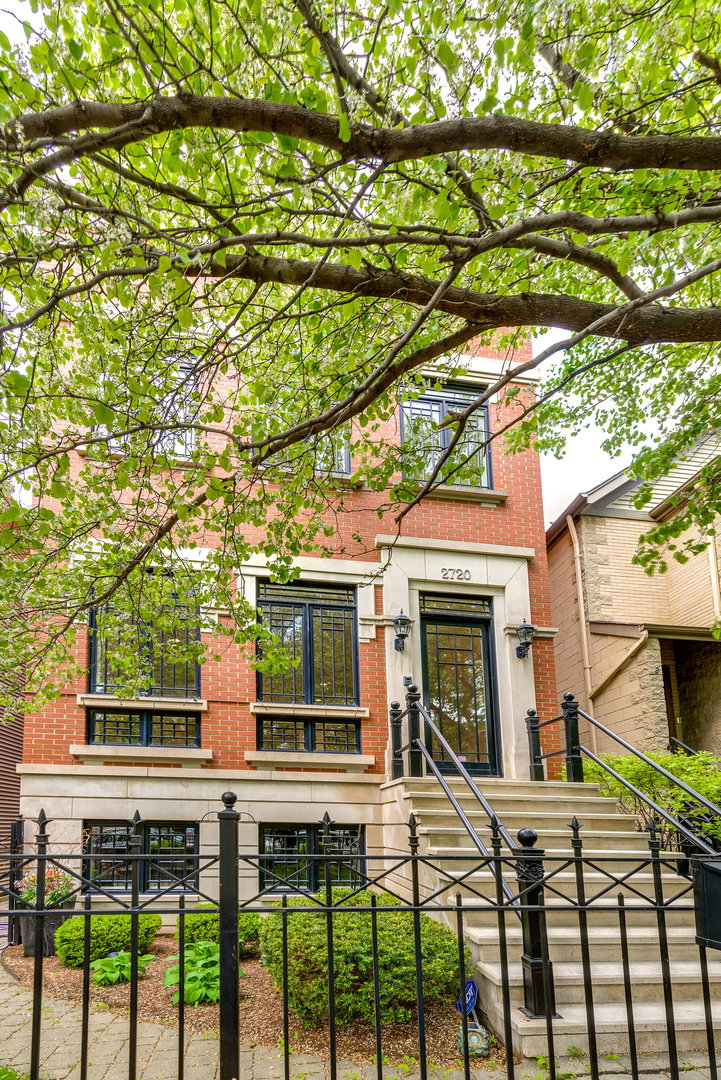 2720 North Bosworth Avenue, Lincoln Park, Illinois