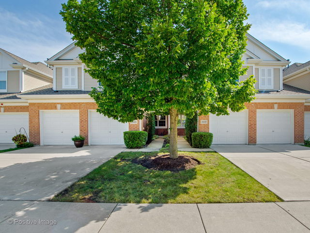 2537 Camberley Circle Westchester, IL 60154
