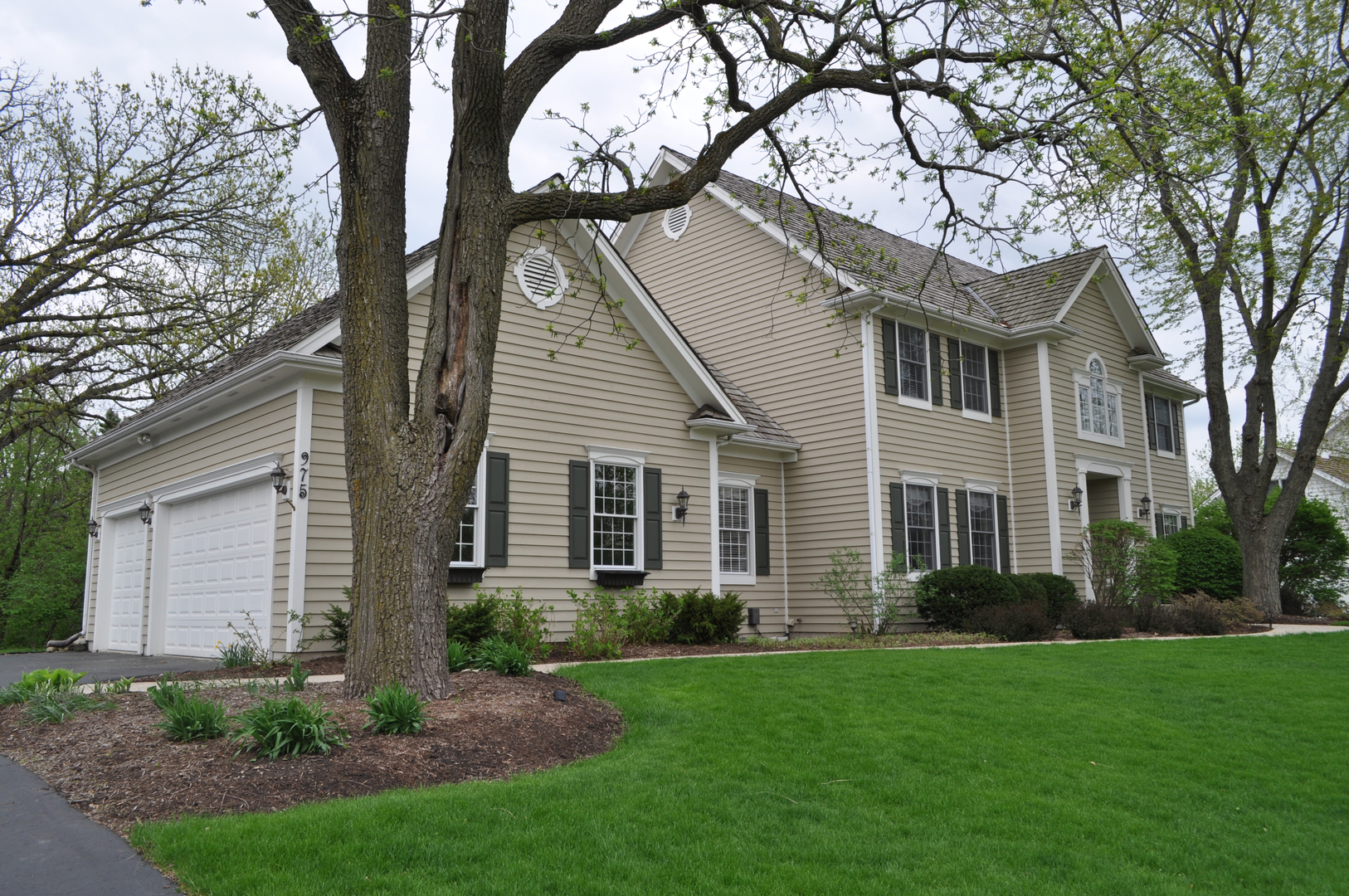 primary photo for 975 Prairie Hill Court, CARY, IL 60013, US