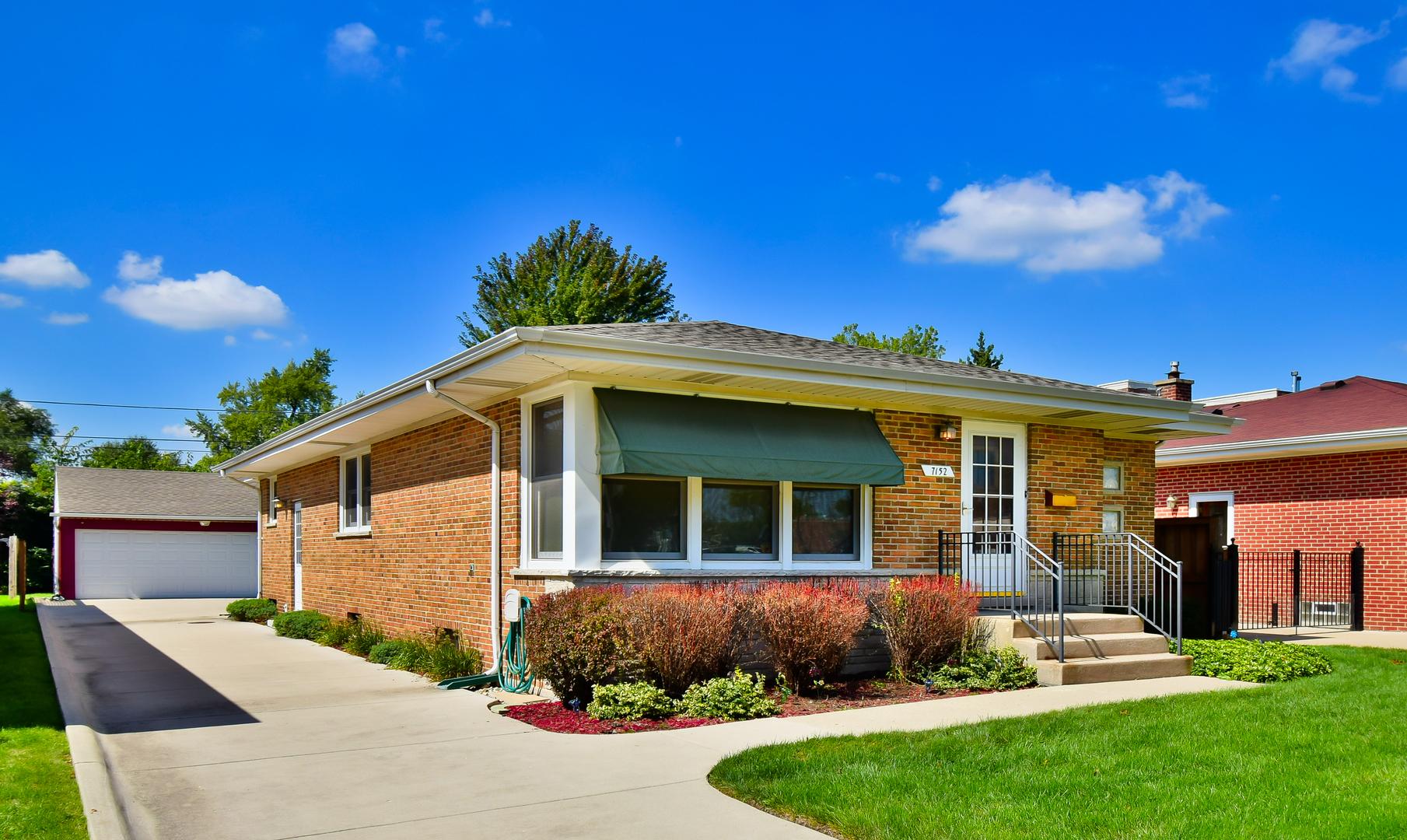 7152 North Overhill Avenue, Chicago-Edison Park, Illinois