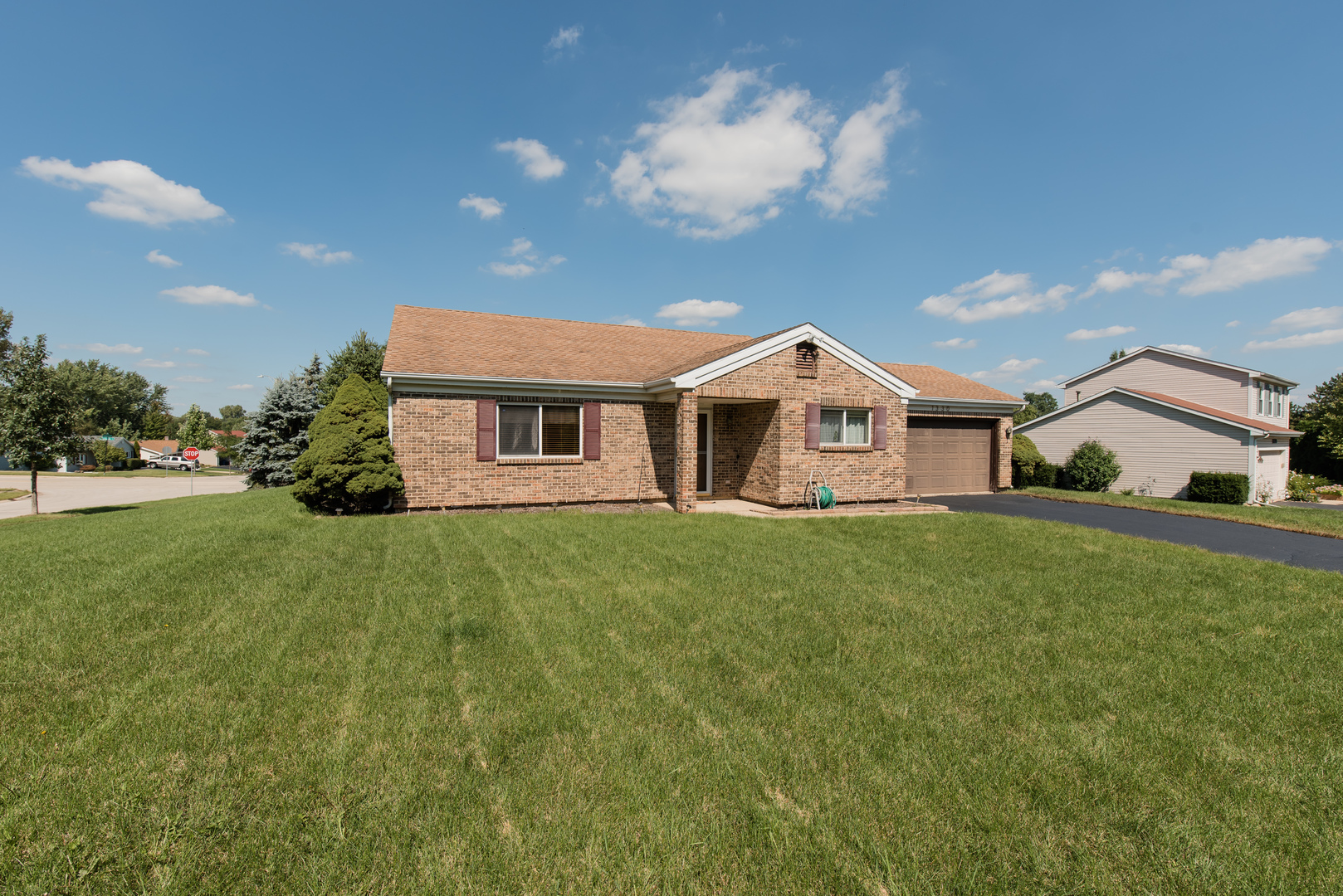 1330 Cherry Wood Court, Algonquin in Mc Henry County, IL 60102 Home for Sale