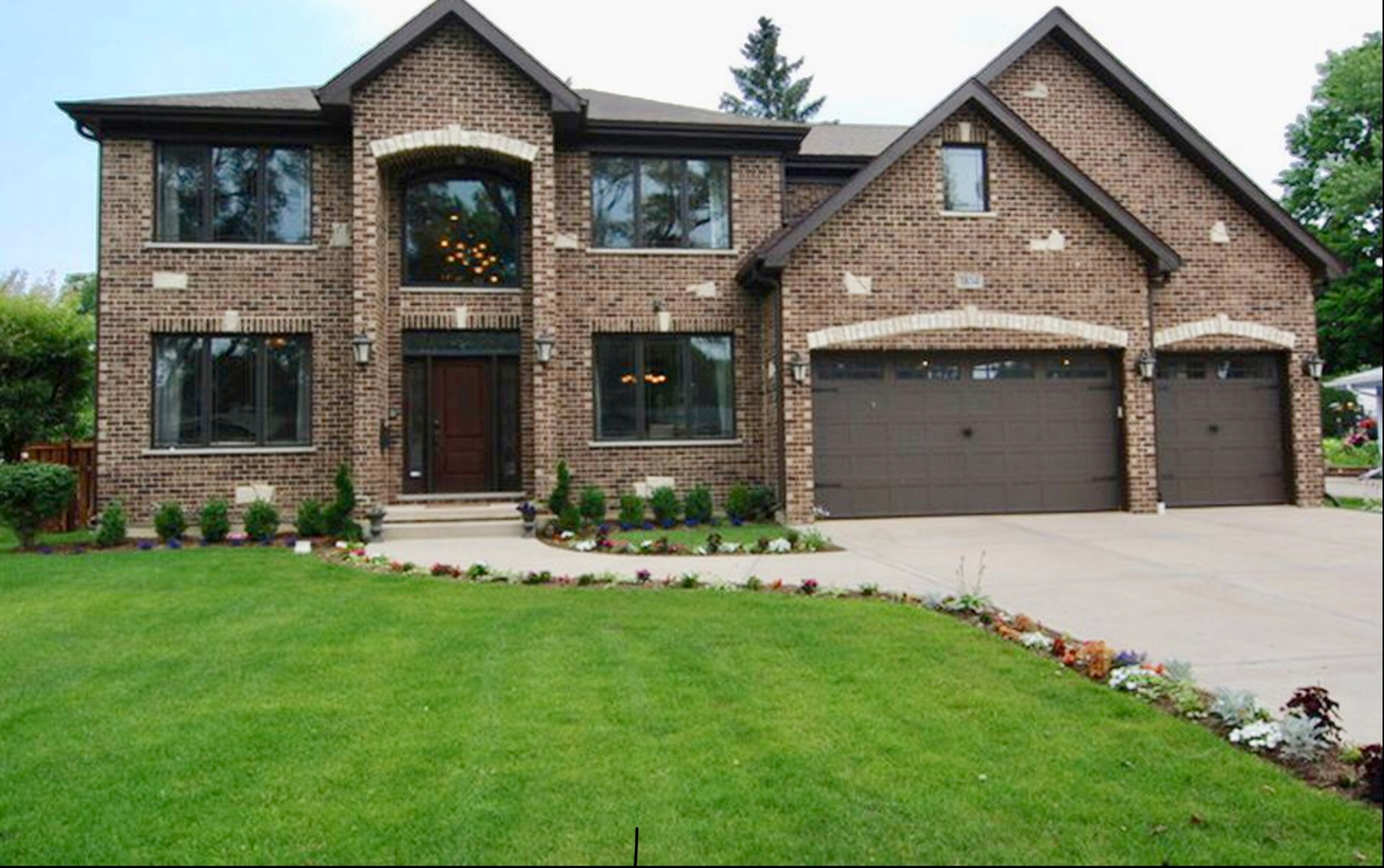 1834 WHITTIER Lane, Schaumburg, Illinois