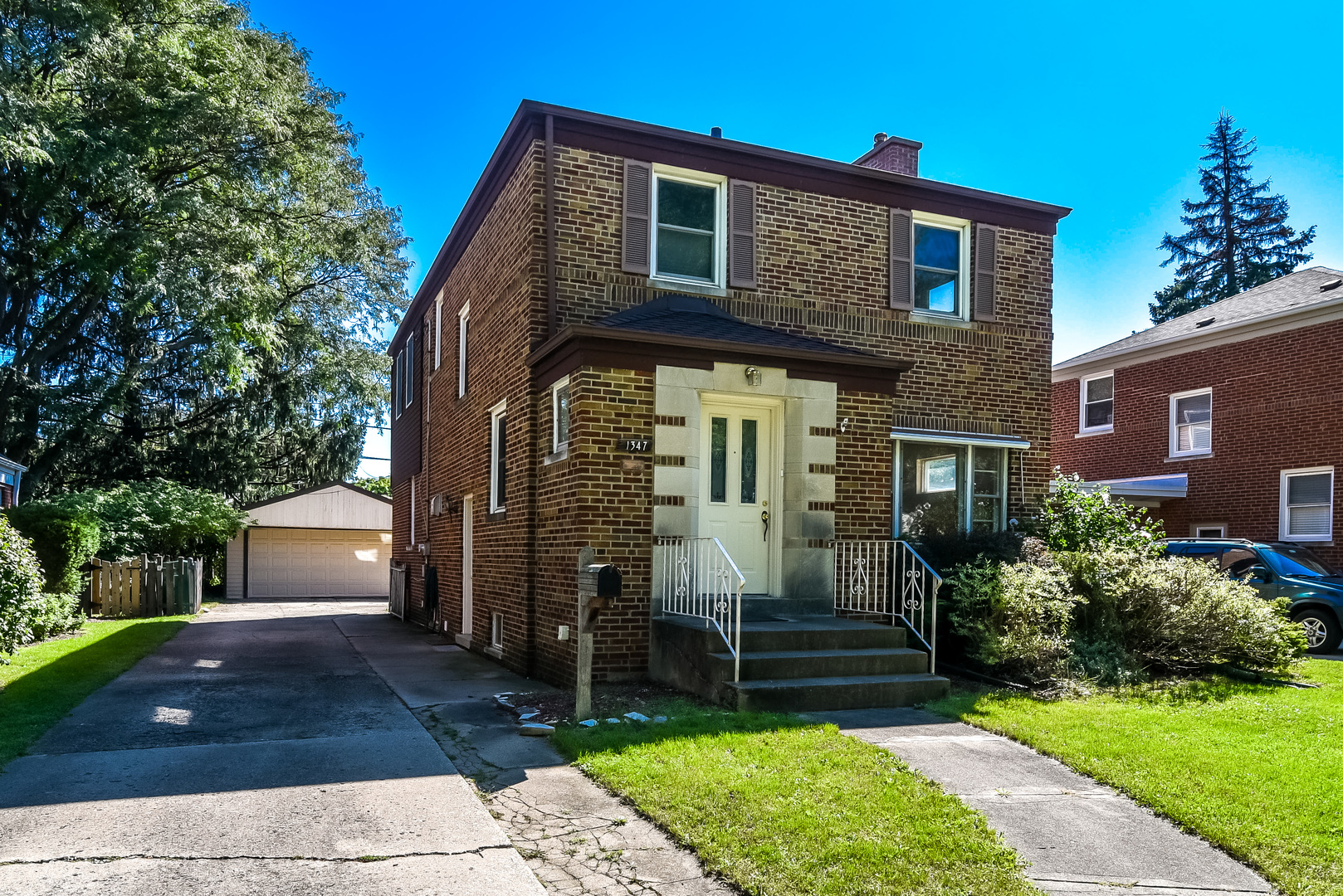 1347 Hull Avenue Westchester, IL 60154