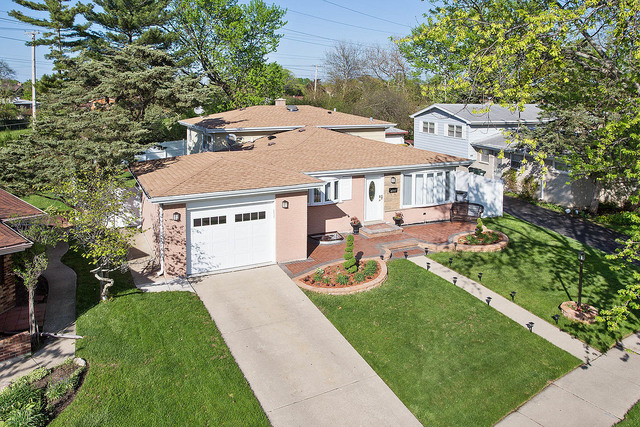 7628 Maple Street Morton Grove, IL 60053