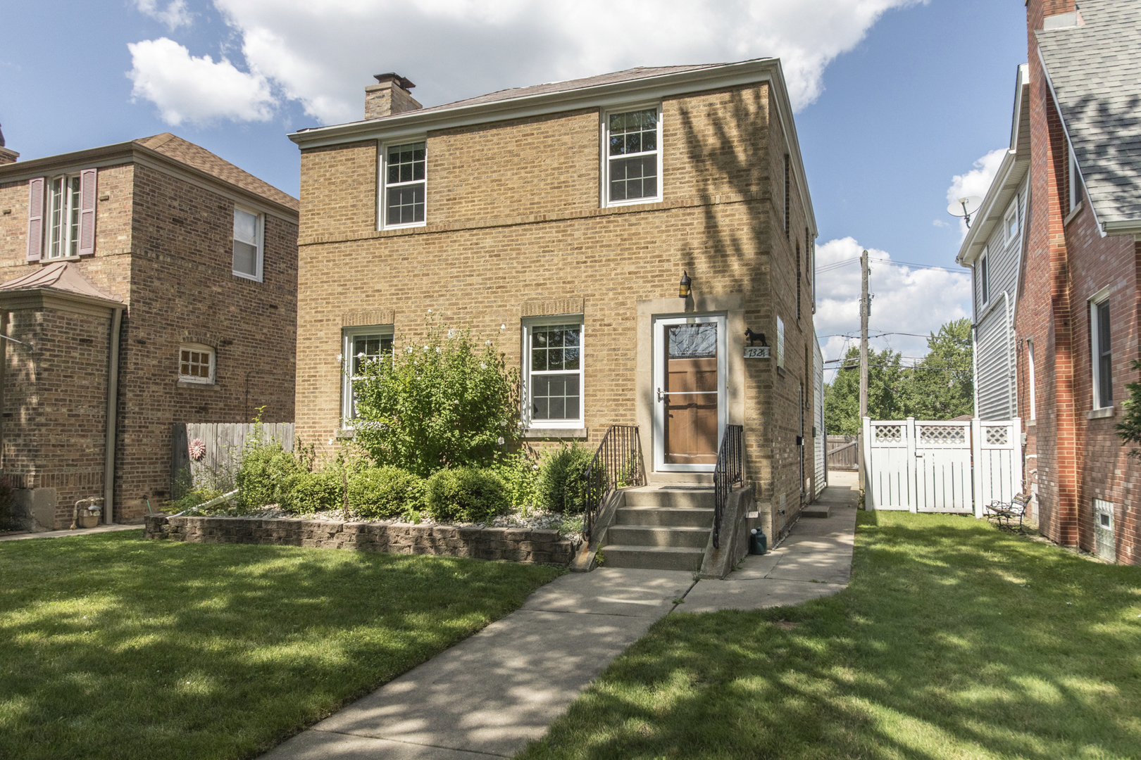 7324 West Farwell Avenue, Chicago-Edison Park in Cook County, IL 60631 Home for Sale