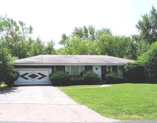 3921 Maple Avenue, Northbrook in Cook County, IL 60062 Home for Sale