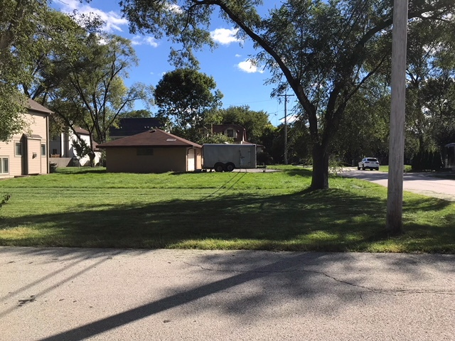 20757 North Elizabeth Avenue Prairie View, IL 60069