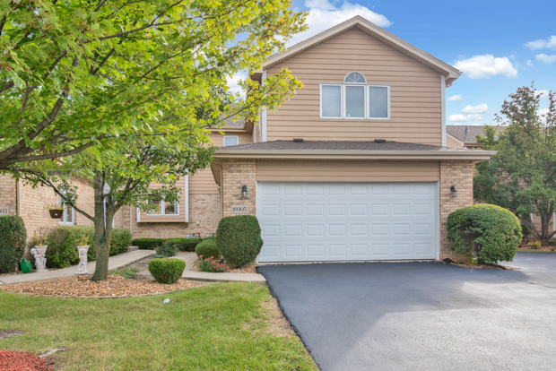 19305 Brushwood Lane, one of homes for sale in Tinley Park