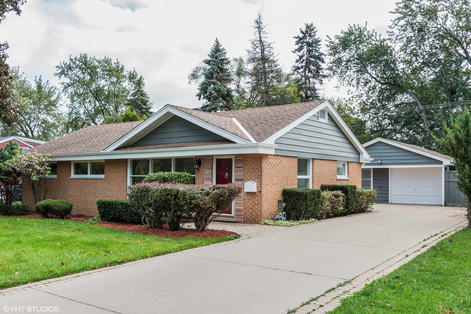 Single Story property for sale at 2543 Pick Drive, Glenview Illinois 60025