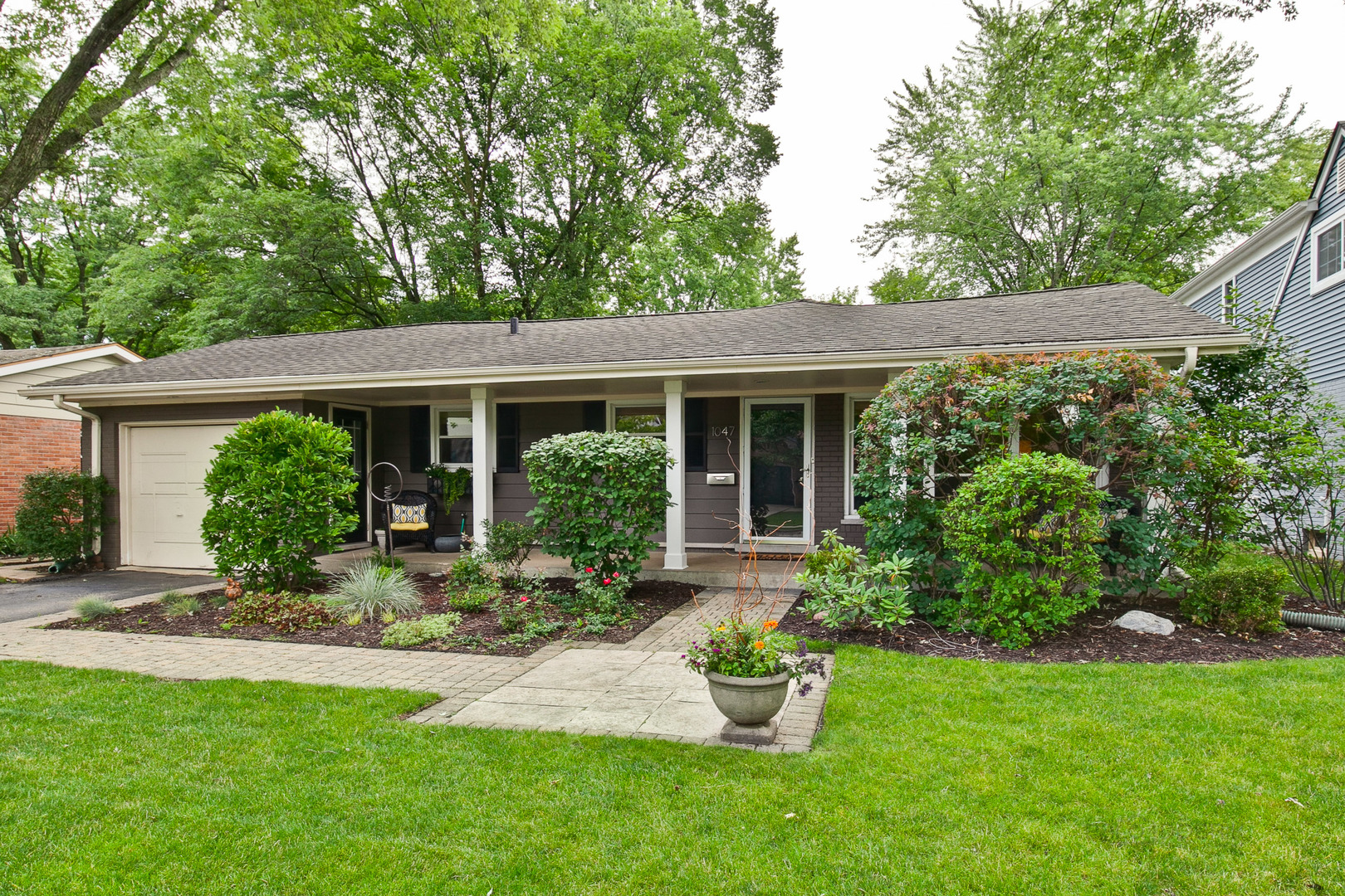 1047 Cedar Lane, Northbrook in Cook County, IL 60062 Home for Sale