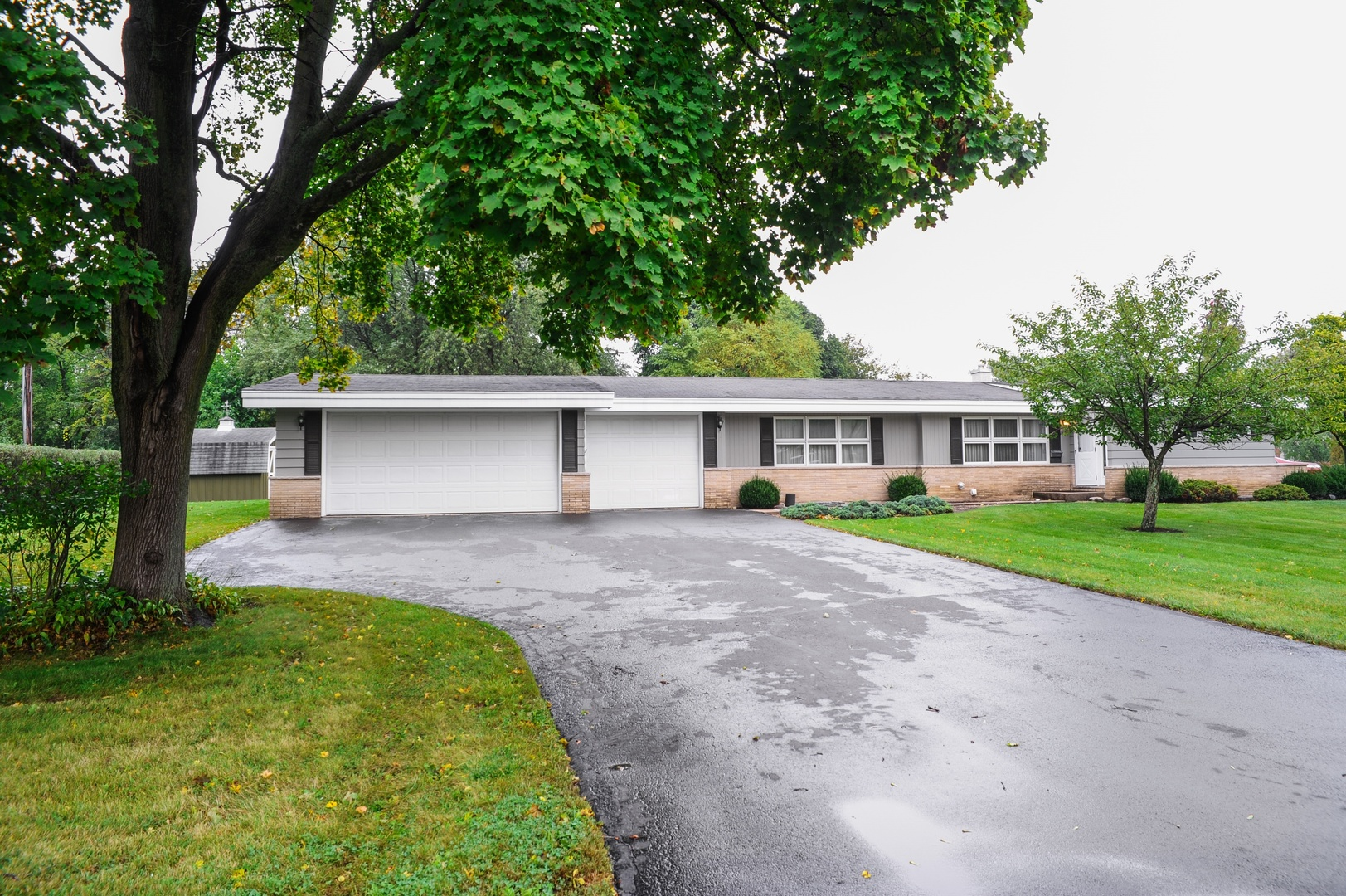 1632 Oakwood Road, Northbrook in Cook County, IL 60062 Home for Sale