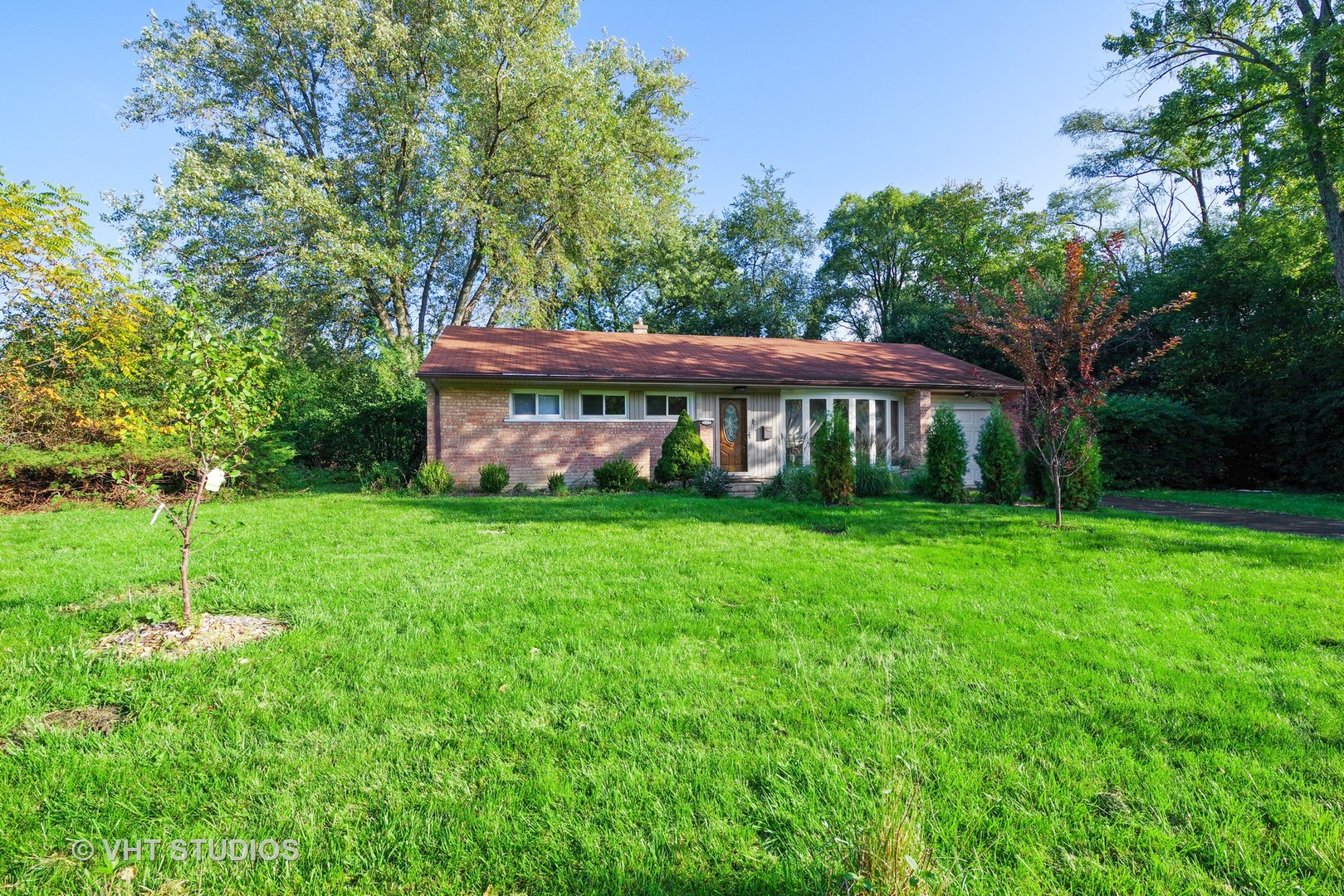 1121 Whitfield Road, Northbrook in Cook County, IL 60062 Home for Sale