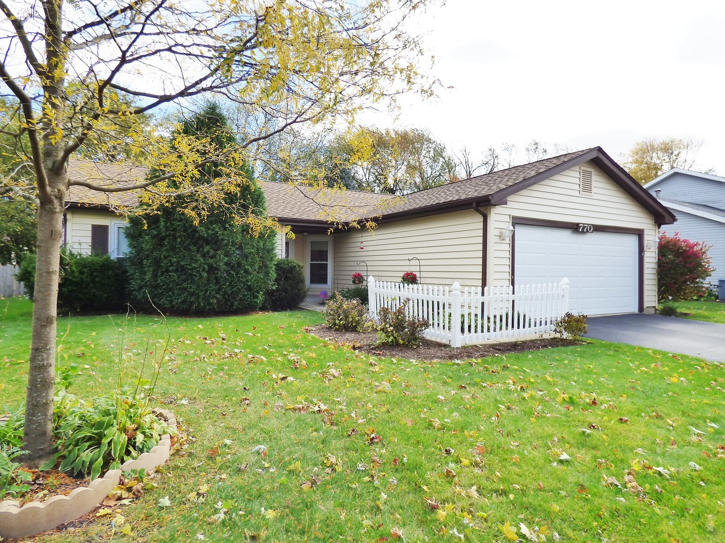 770 Applewood Lane, Algonquin in Mc Henry County, IL 60102 Home for Sale