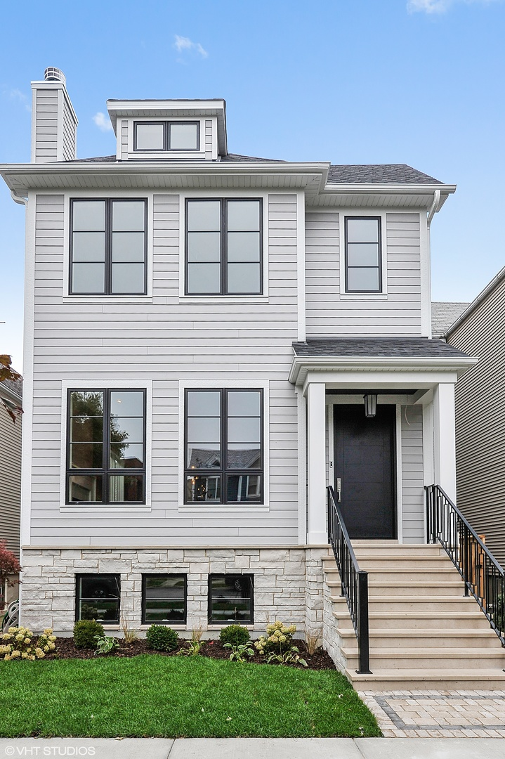 4325 North Greenview Avenue Chicago, IL 60613