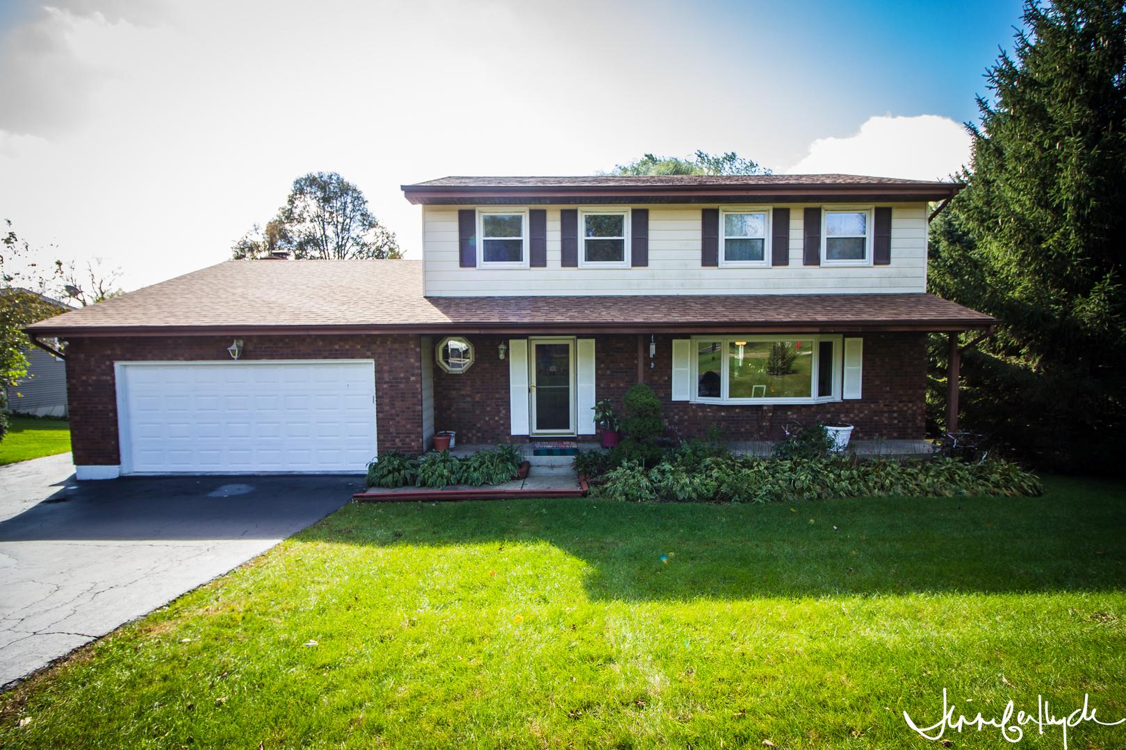 1305 Zange Drive, Algonquin in Mc Henry County, IL 60102 Home for Sale