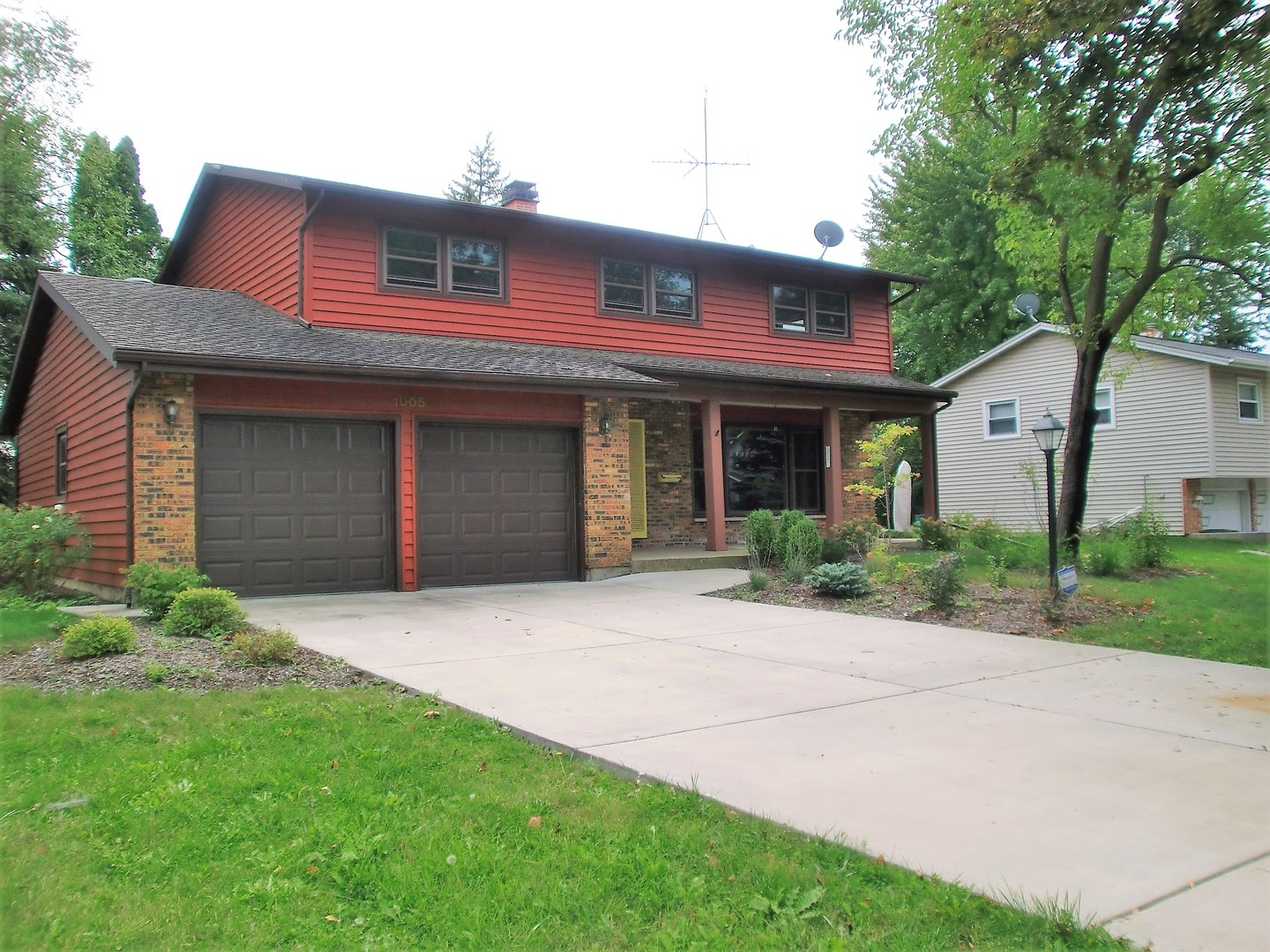 1005 East Ironwood Drive Mount Prospect, IL 60056