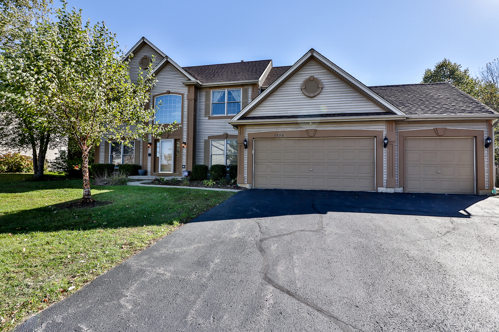 1590 SOUTHRIDGE Trail, Algonquin in Kane County, IL 60102 Home for Sale