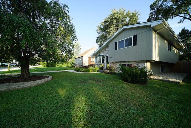 106 Red Oak Street Bensenville, IL 60106