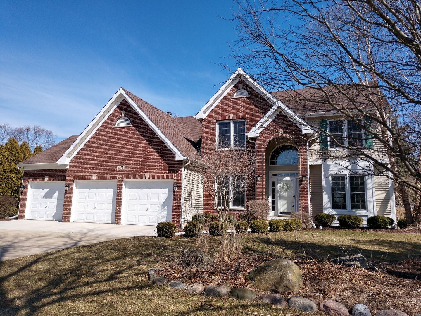 1475 Stonegate Road, Algonquin in Mc Henry County, IL 60102 Home for Sale