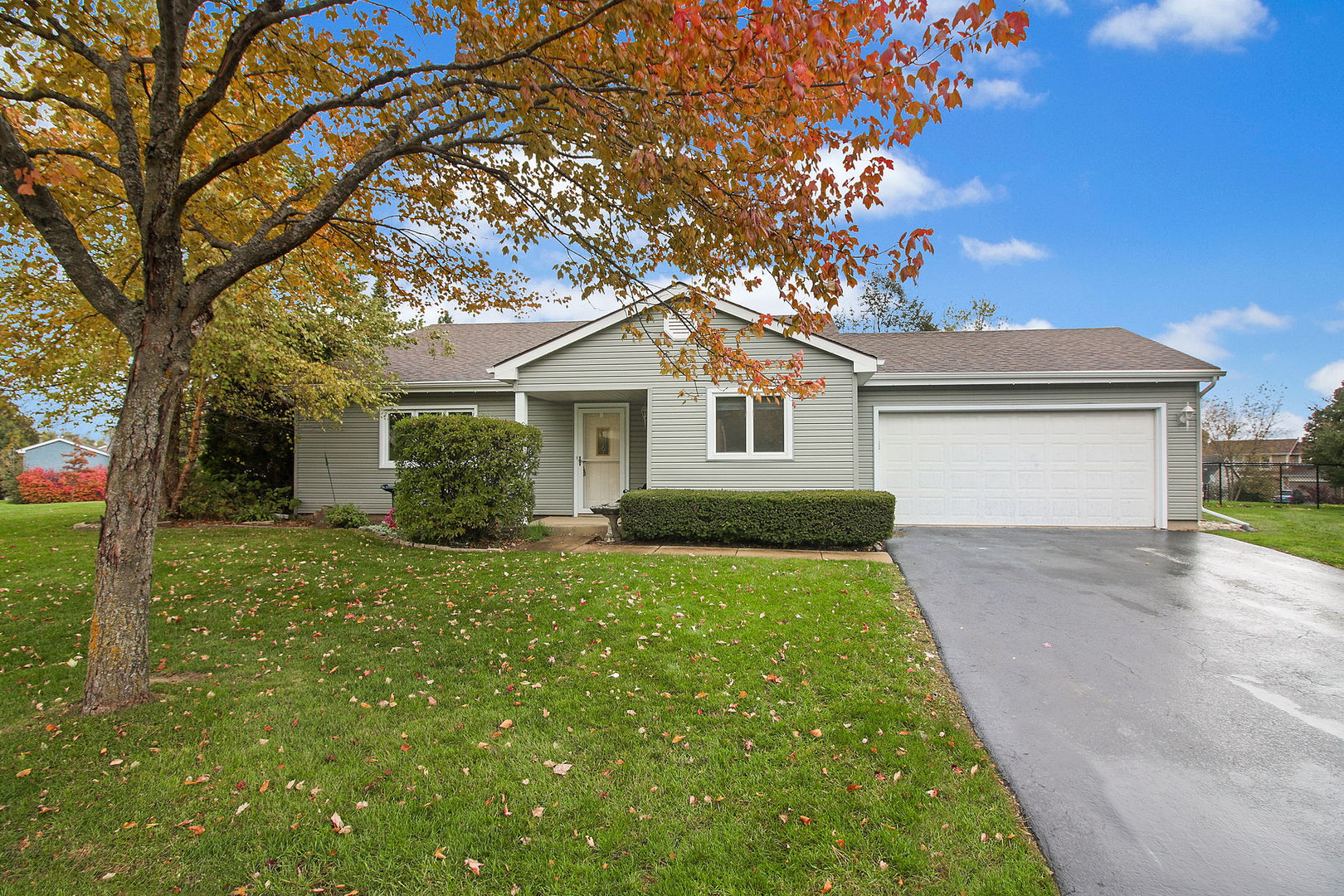1310 Cherry Wood Court, Algonquin in Mc Henry County, IL 60102 Home for Sale