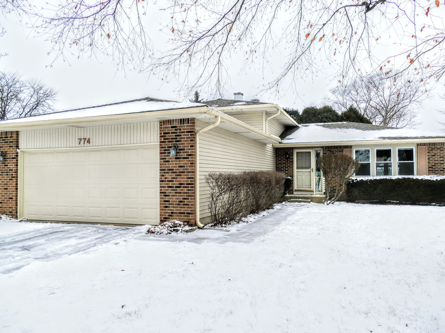774 Indiana Lane, one of homes for sale in Elk Grove Village