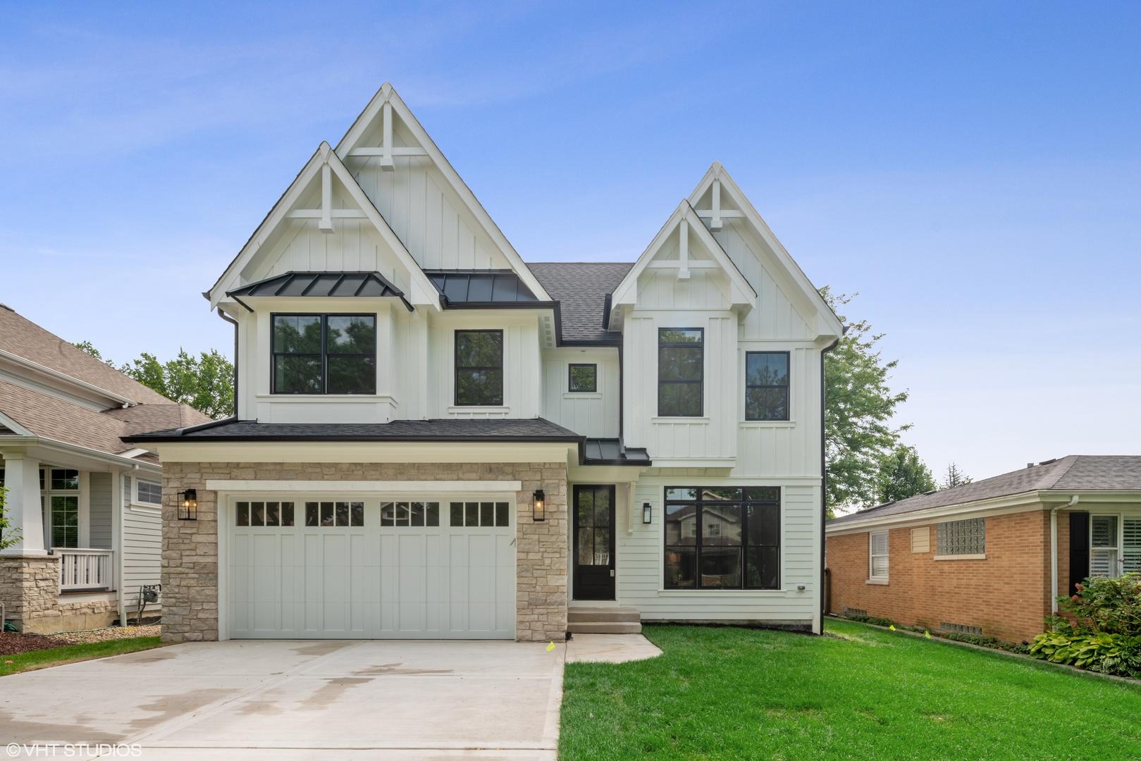 253 Evergreen Avenue Elmhurst, IL 60126