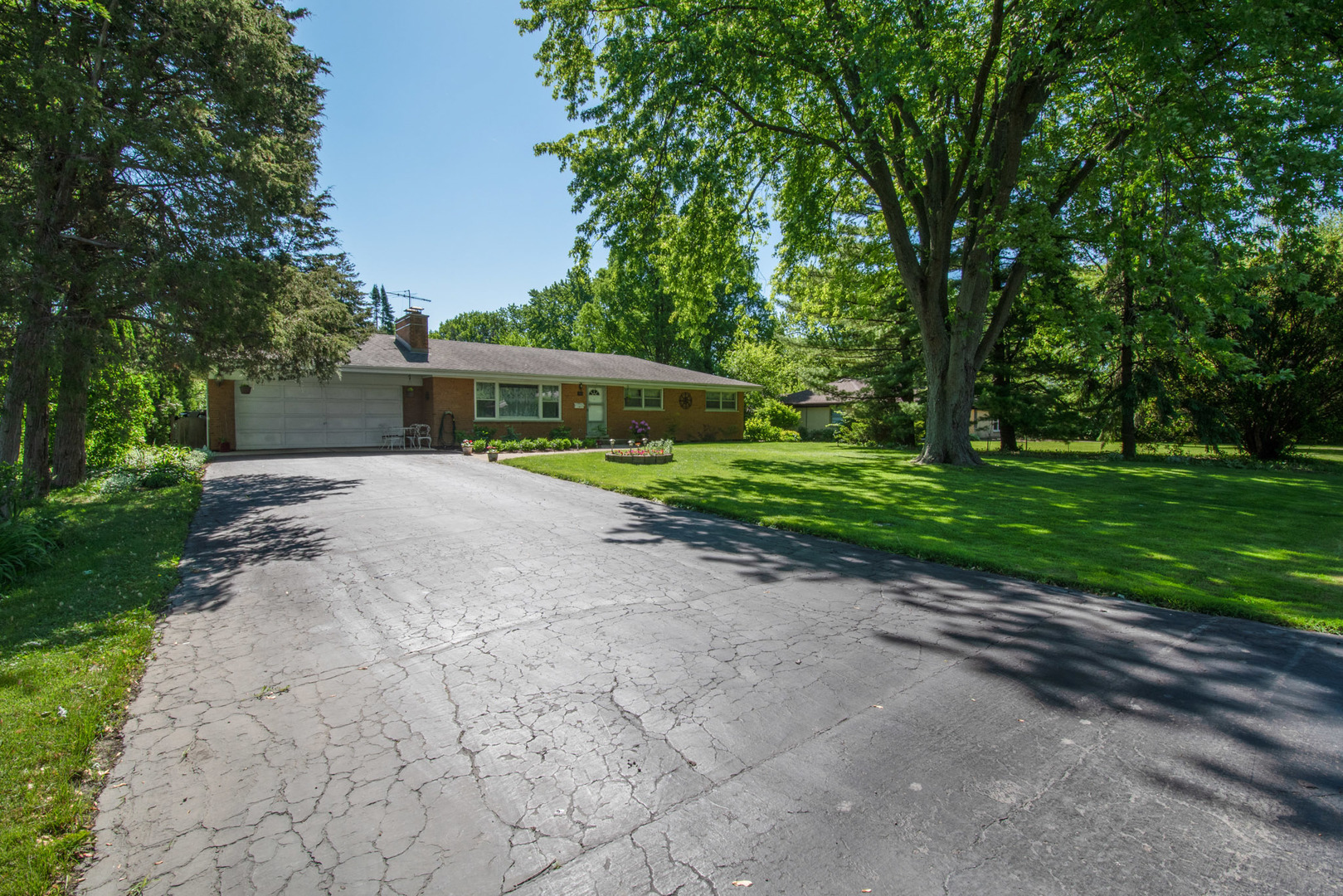303 Cottonwood Road, Northbrook in Cook County, IL 60062 Home for Sale