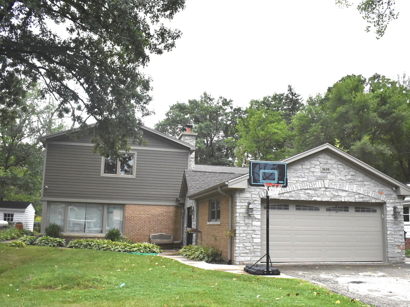 1639 FERNDALE Avenue, Northbrook, Illinois