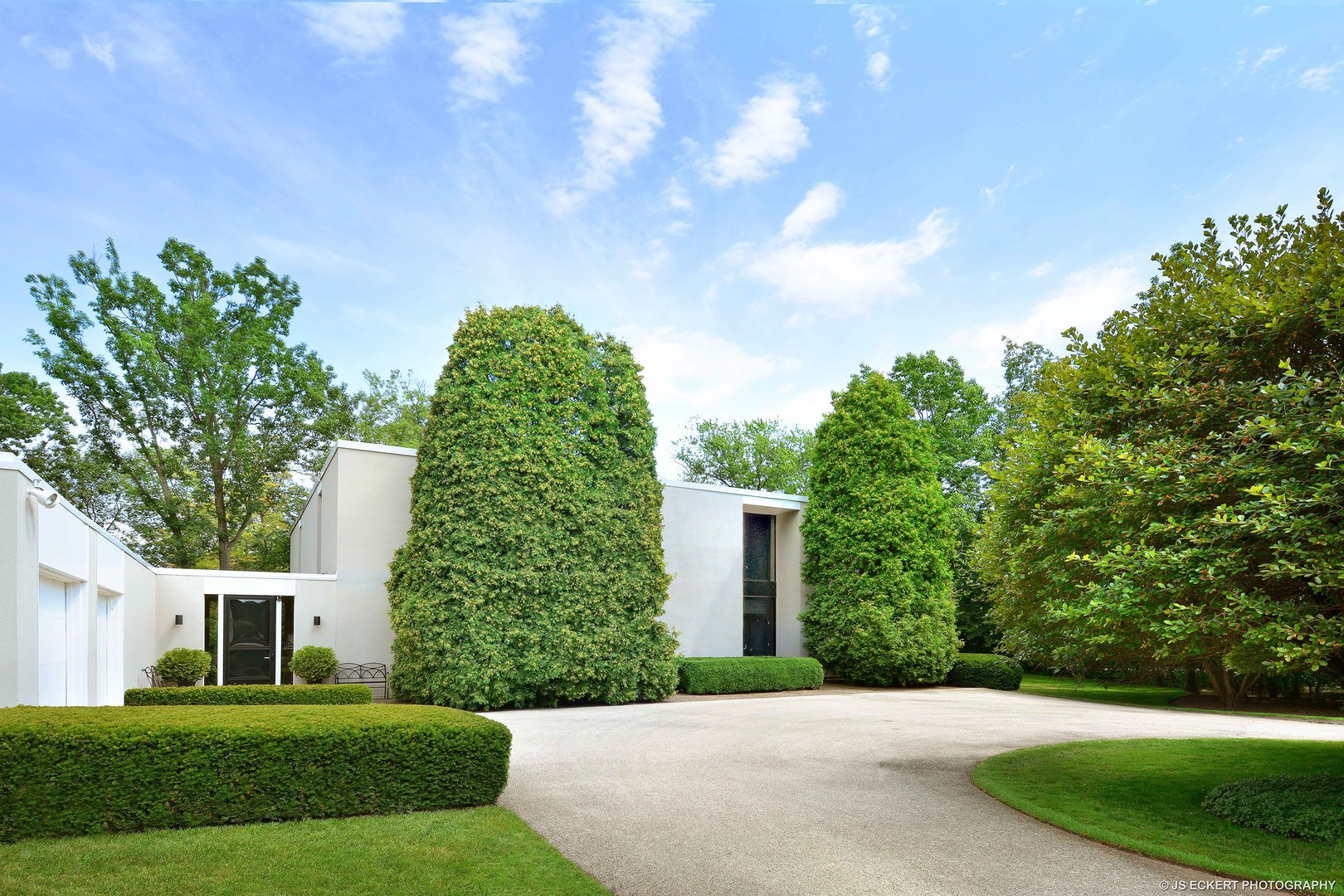 877 Woodbine Place, Lake Forest, Illinois