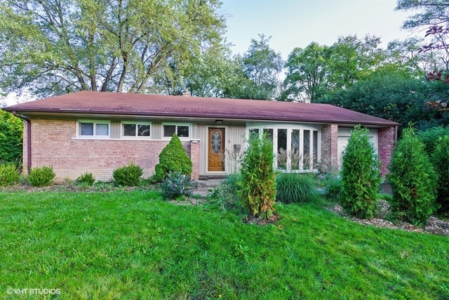 1121 Whitfield Road, Northbrook, Illinois