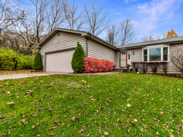 183 Iona Terrace, Algonquin in Mc Henry County, IL 60102 Home for Sale