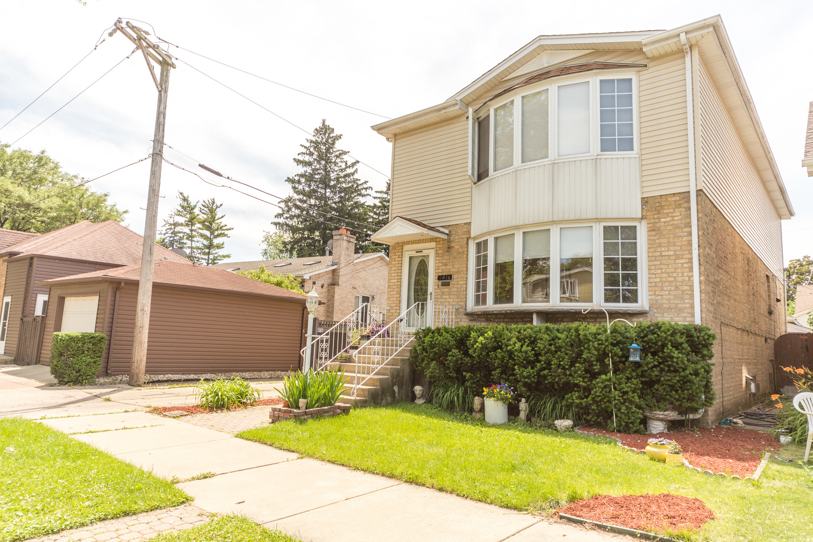 6410 North New England Avenue, Chicago-Edison Park in Cook County, IL 60631 Home for Sale
