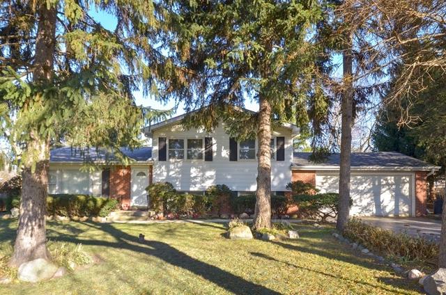 4054 Phyllis Road, Northbrook, Illinois
