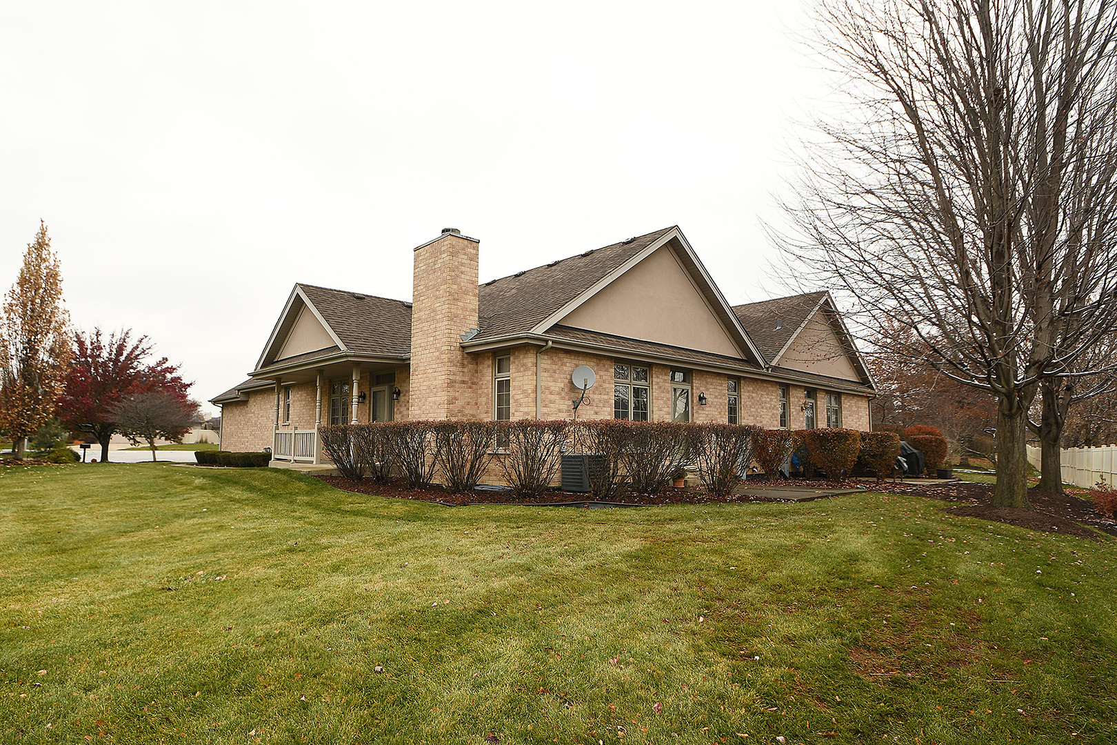 8123 Nielsen Drive, Tinley Park in Cook County, IL 60477 Home for Sale