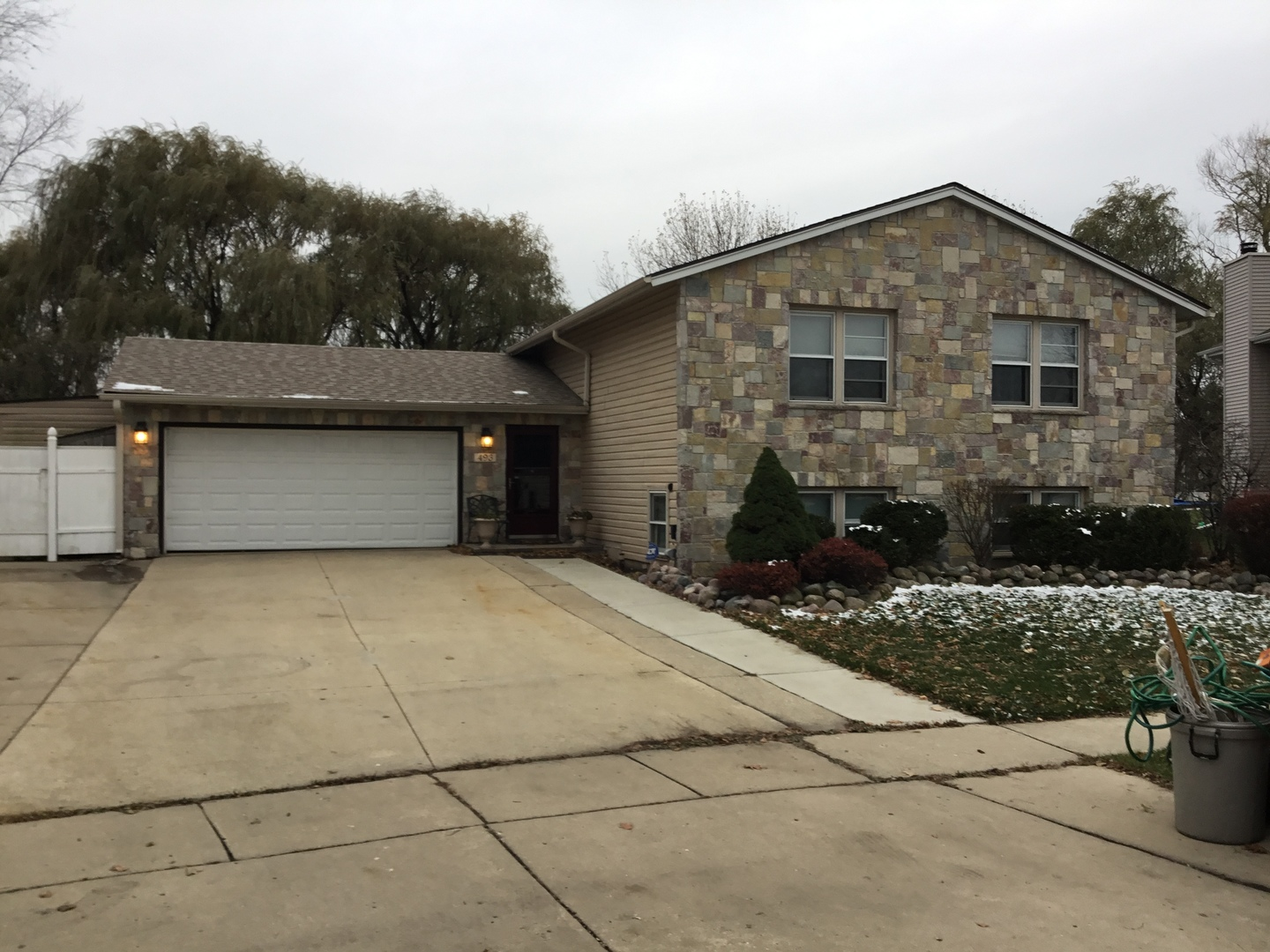 493 Franklin Lane, Elk Grove Village, Illinois