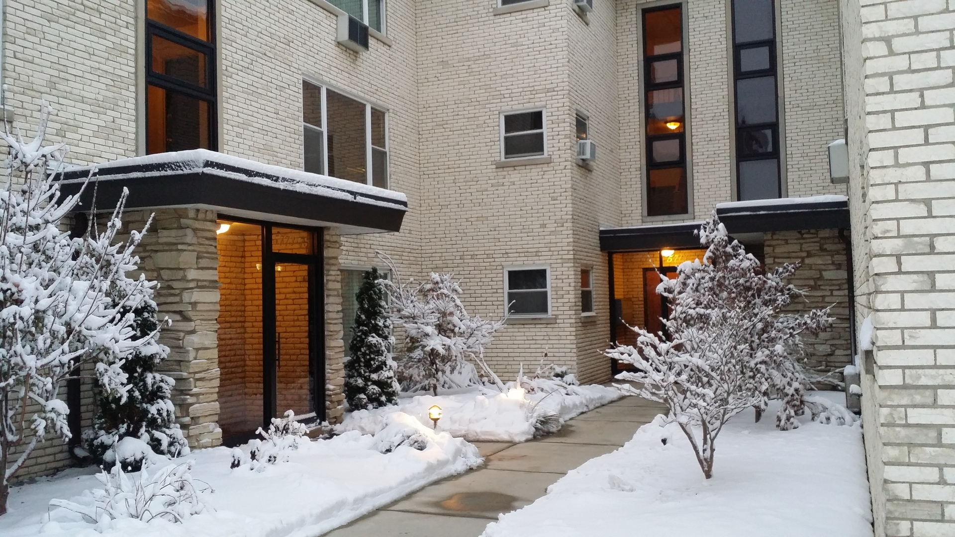 5775 North Northwest Highway, Chicago-Edison Park in Cook County, IL 60631 Home for Sale