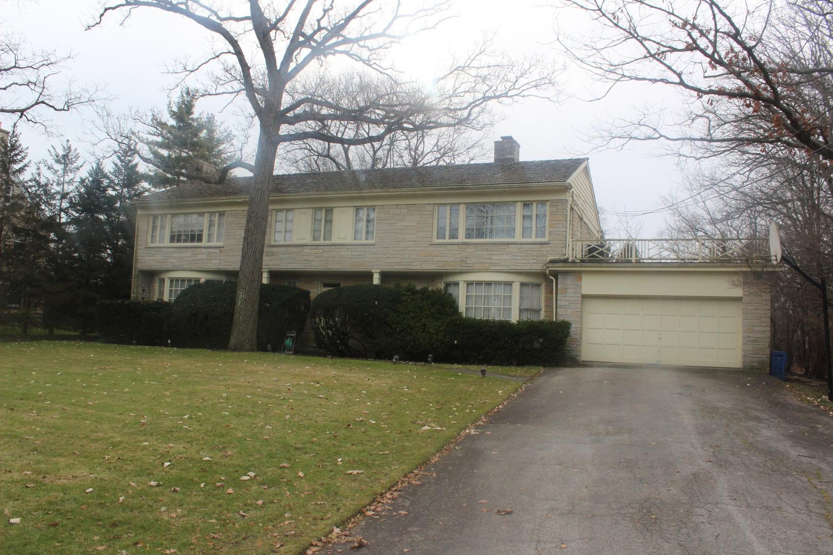 80 Oakmont Road Highland Park, IL 60035
