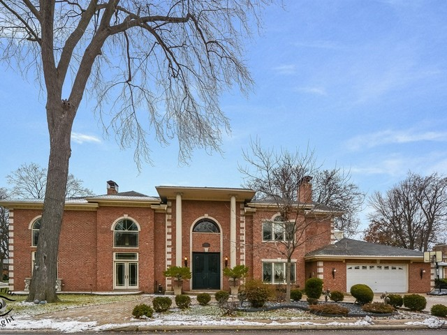 6635 North Longmeadow Avenue Lincolnwood, IL 60712