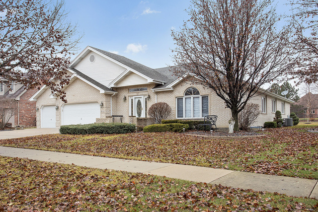 8112 West Mallow Drive, Tinley Park in Cook County, IL 60477 Home for Sale