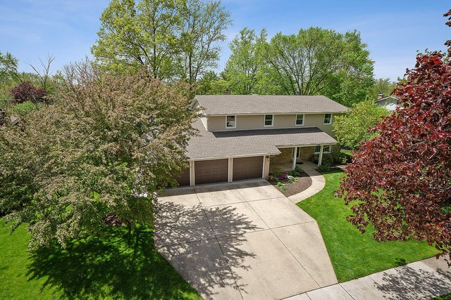 1716 Longvalley Drive Northbrook, IL 60062