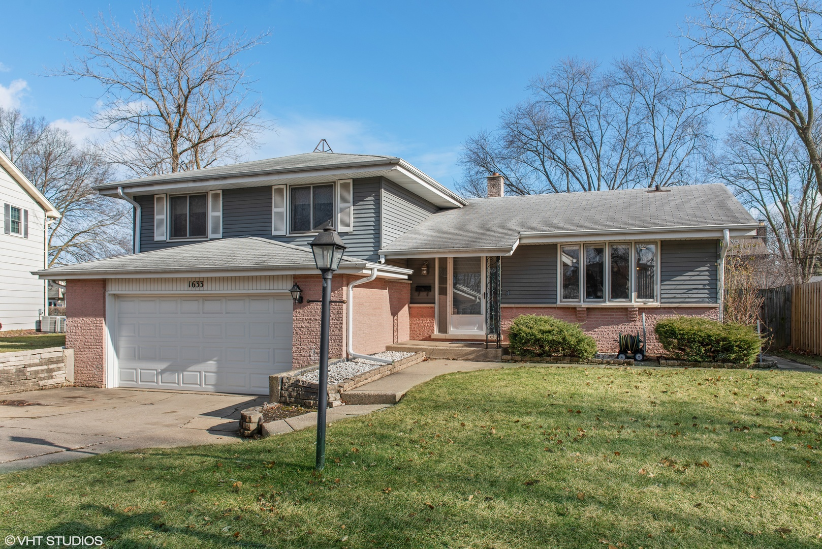 1633 Imperial Drive Glenview, IL 60026