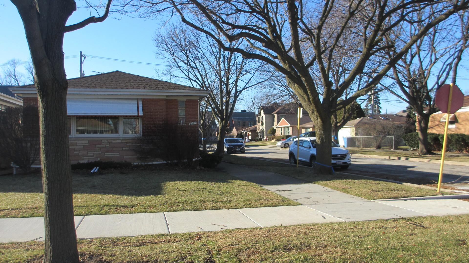 7324 North Overhill Avenue, Chicago-Edison Park, Illinois