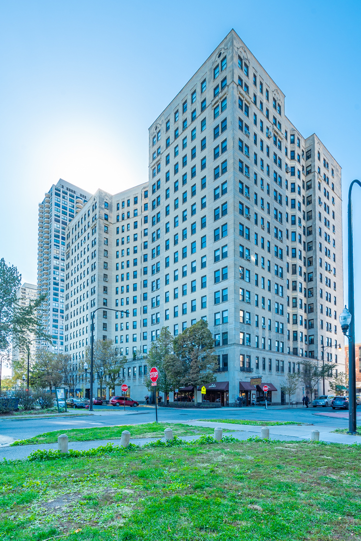 Lincoln Park Homes for Sale -  High Rise,  2000 North LINCOLN PARK WEST
