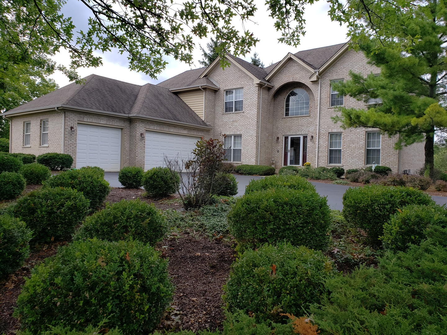 primary photo for 25020 North Abbey Glenn Drive, Hawthorn Woods, IL 60047, US