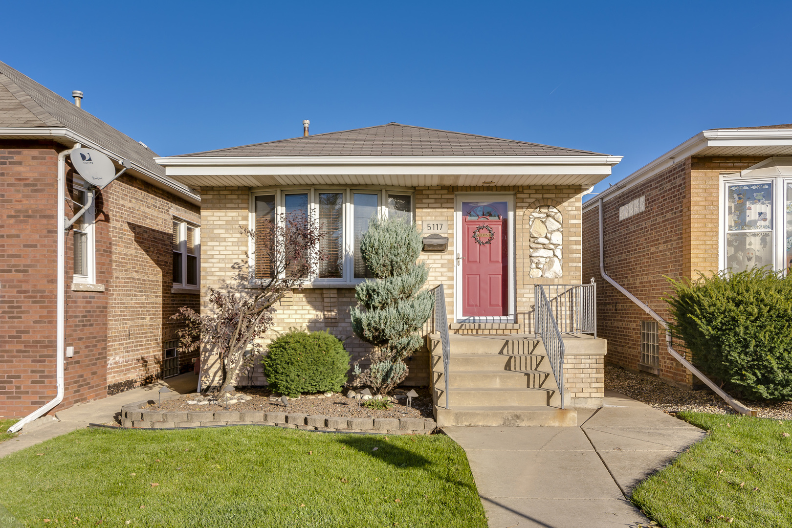 5117 South Rutherford Avenue Chicago, IL 60638