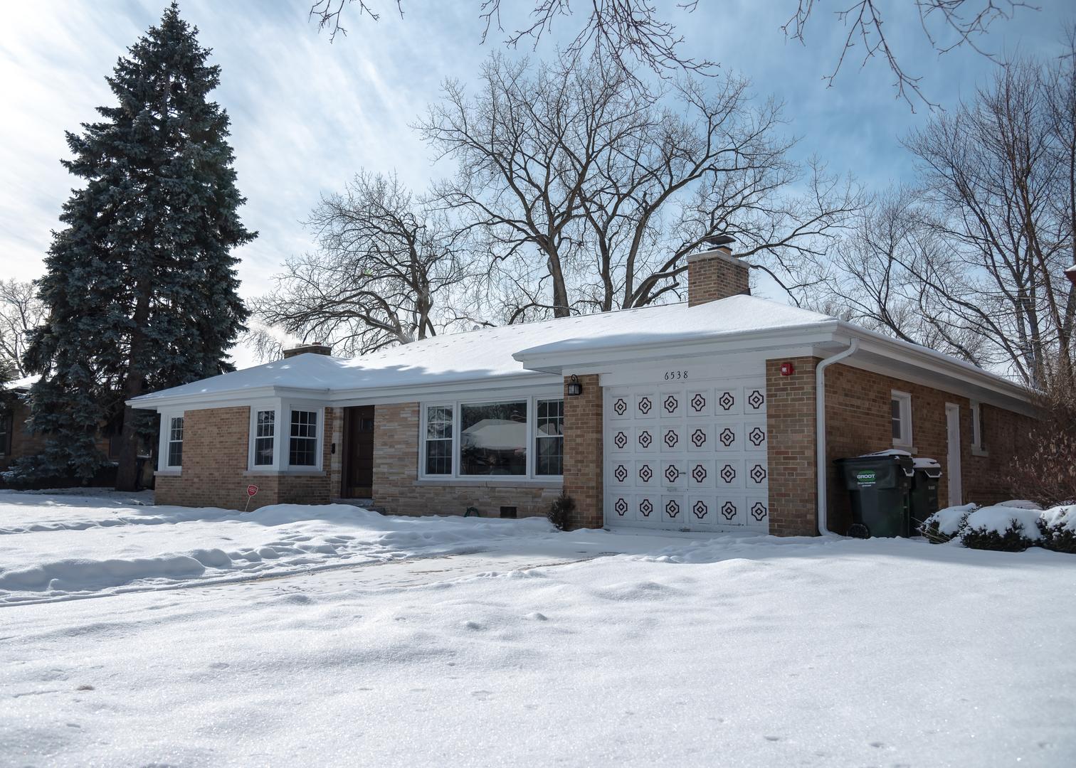 6538 North Monticello Avenue Lincolnwood, IL 60712