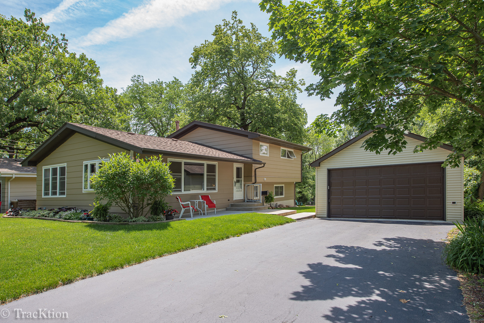 1313 Blanchard Street, Downers Grove, Illinois