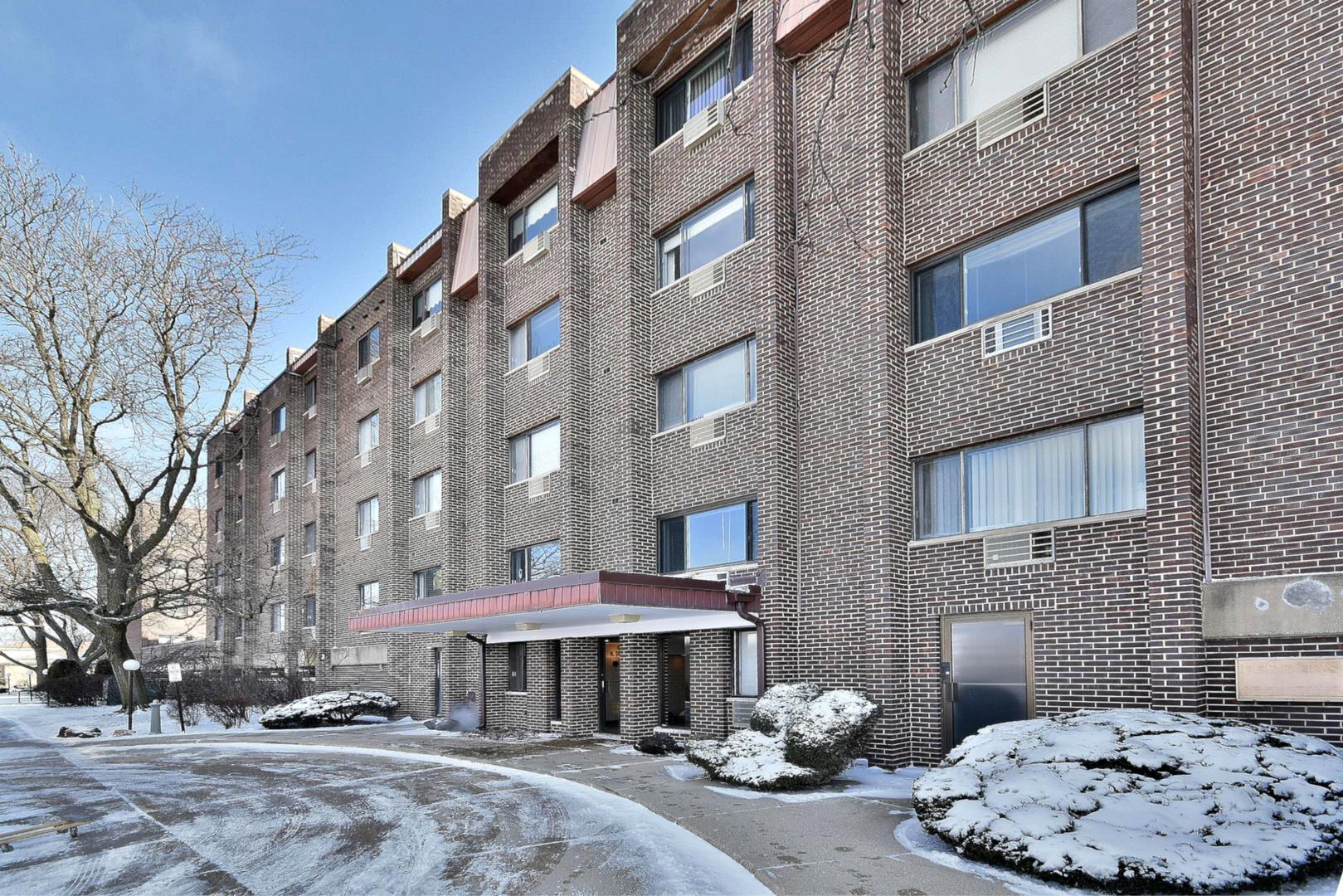 4623 North Chester Avenue Chicago, IL 60656