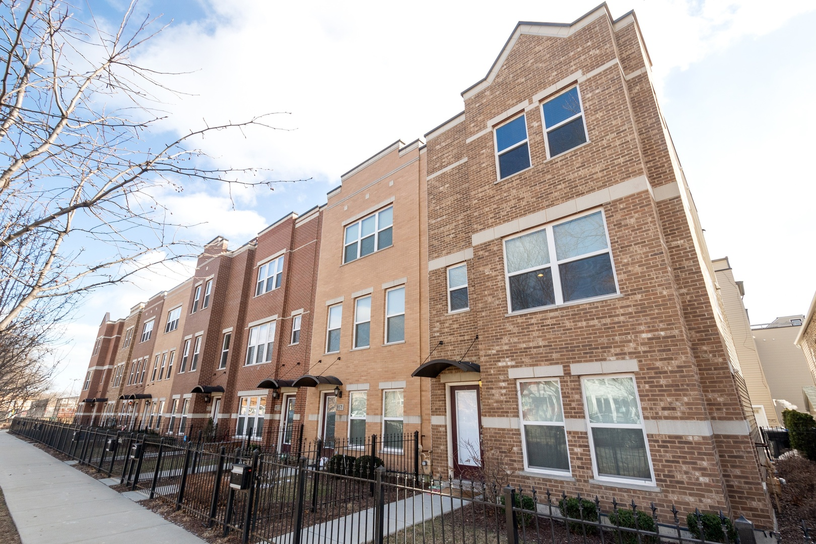 959 West 36th Street Chicago, IL 60609